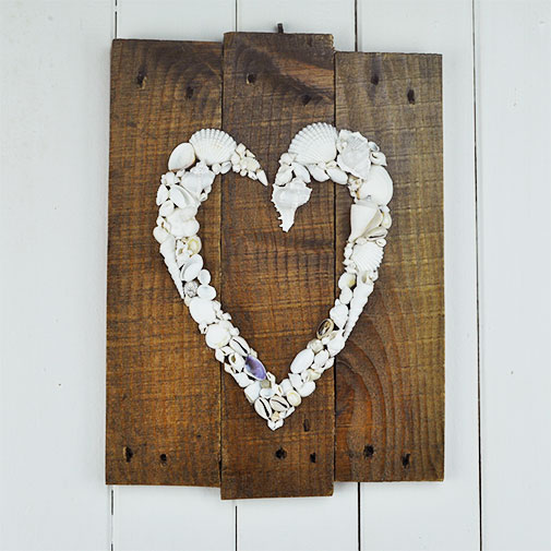 Wall Hanging Recycled Pallet heart number 1