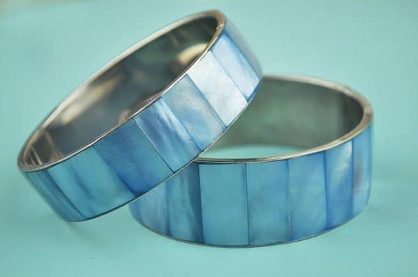 Shell Bangle light blue