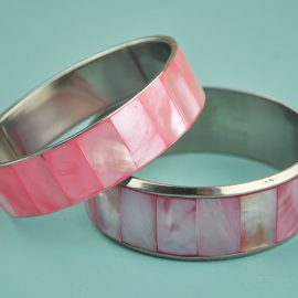 Shell Bangle pearled pink