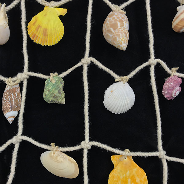 Wall hanger mixed shells medium