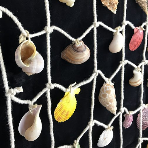Wall hanger mixed shells medium