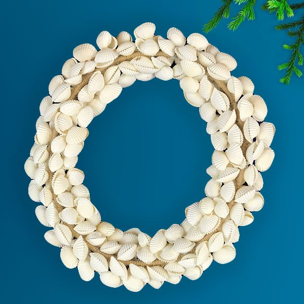 Wired Wreath with white cockles